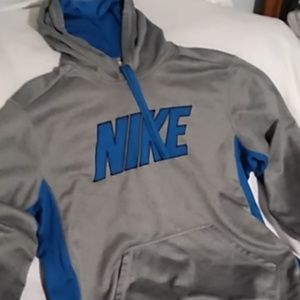 Nike Therma- Fit hoodie large